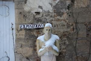 Le lecteur de Catherine Mathieu a revêtu son écharpe de neige pour vous ouvrir les portes du musée